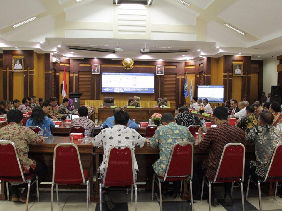 Kepala Dinas Pendidikan Provinsi Jawa Timur Bapak Dr. Ir. Wahid Wahyudi, MT melakukan Rapat Koordinasi Capaian Pembangunan Manusia Di Gedung Sabha Nugraha Dinas Pendidikan Provinsi Jawa Timur