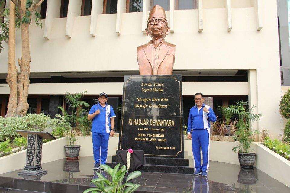 Peresmiaan Patung Ki Hadjar Dewantara di Halaman Dinas Pendidikan Provinsi Jawa Timur